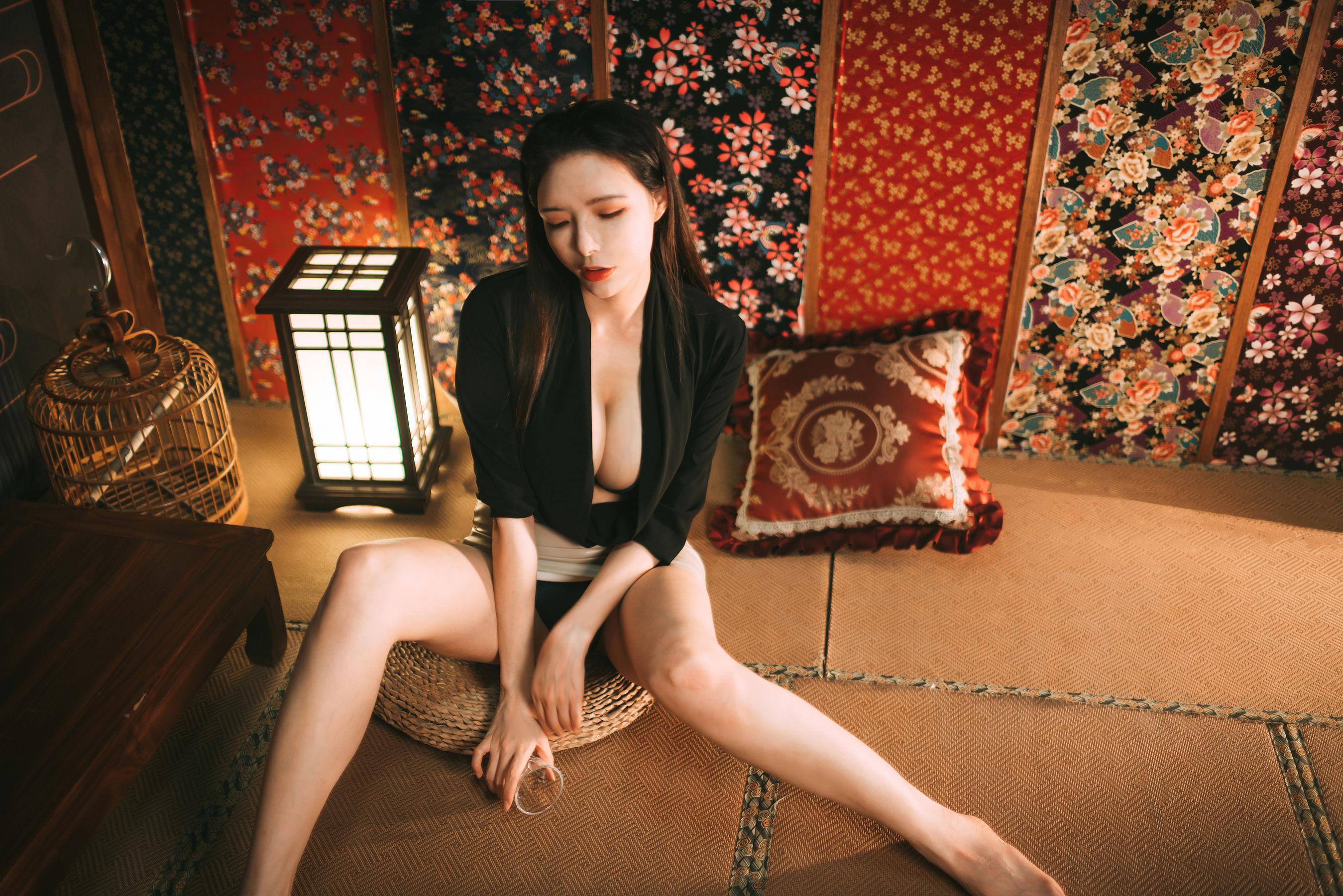 [网络美女]秋和柯基(夏小秋)超高清写真大图片(48P)|352热度