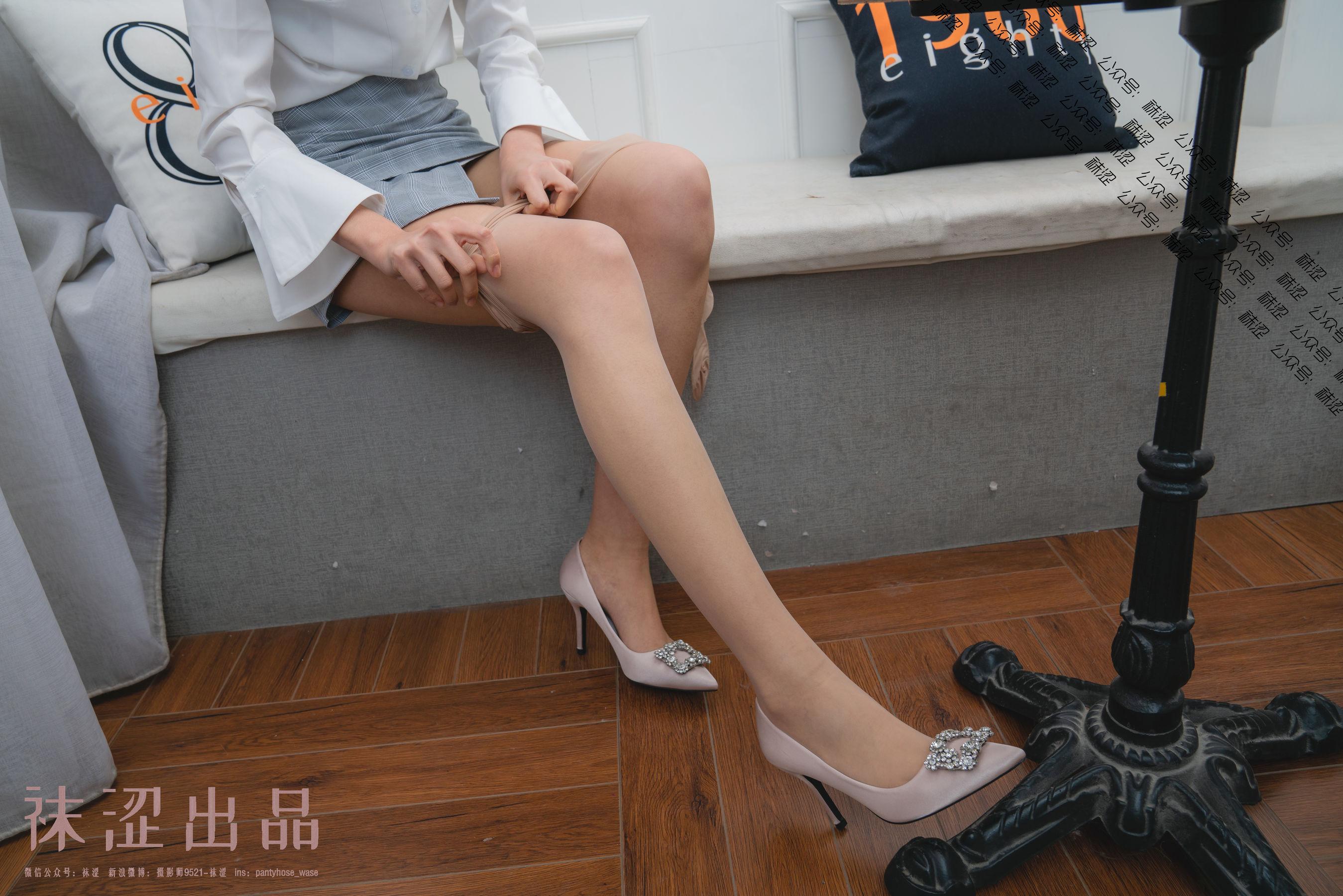 [袜涩]乐乐VOL.049超高清写真大图片(55P)|340热度